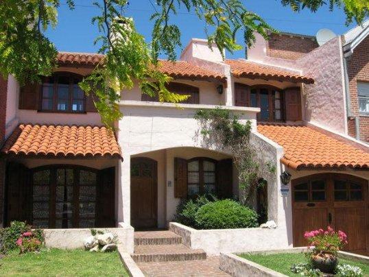 O telhado colonial é bastante utilizado nas casas brasileiras.