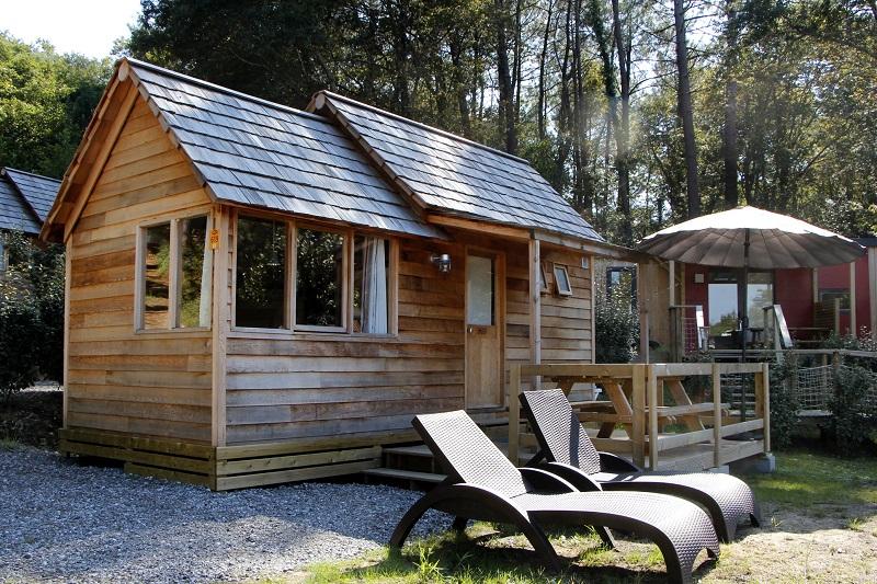 A telha de madeira taubilha garante um estilo rústico a cabanas e chalés.