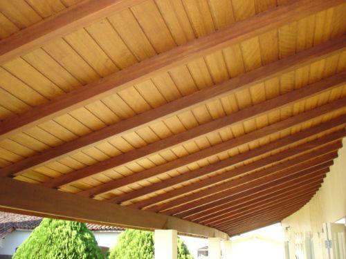 A angelim-pedra é uma madeira nobre que garante muita sofisticação a forros e telhados!