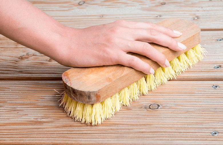 Limpeza e Manutenção de Deck de Madeira