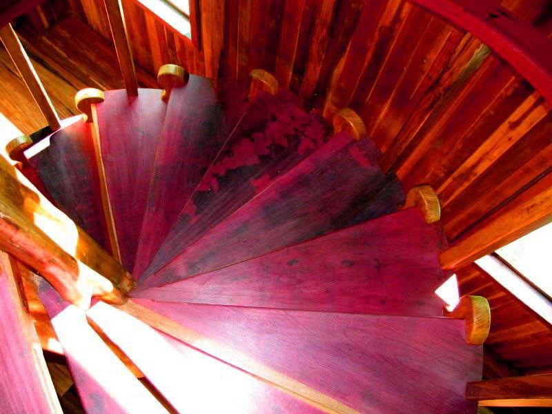 Escada de Madeira Roxinho