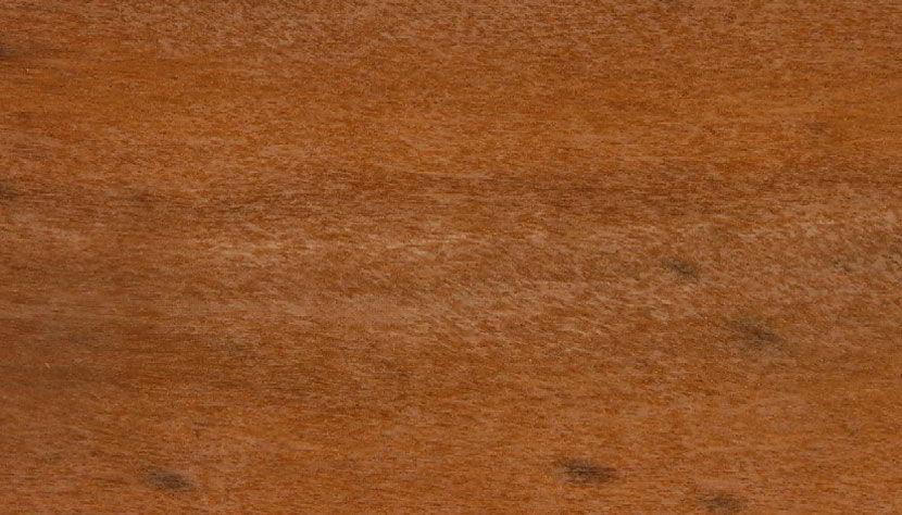 Conheça todas as características da madeira itaúba, como a durabilidade e resistência.