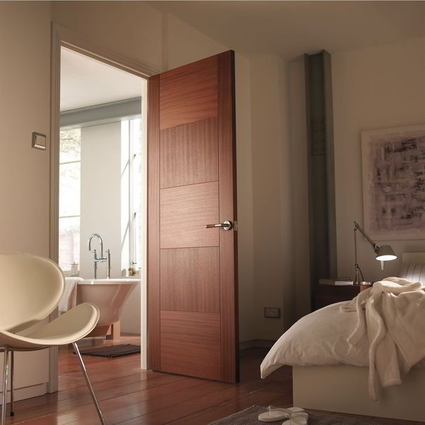 Porta com design moderno e elegante para quarto.