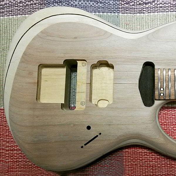 Marupá aplicada em guitarra.