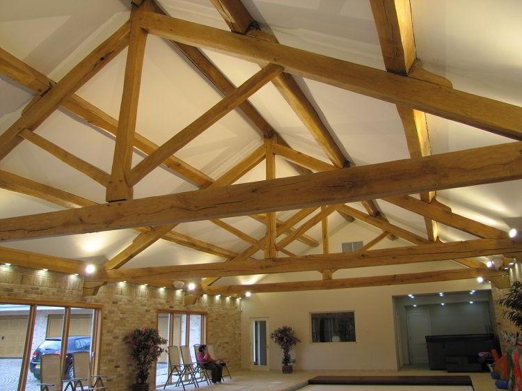 Treliça de madeira para telhado.