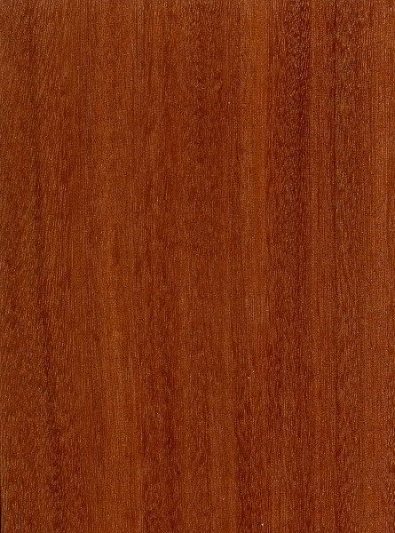 Veja a cor e as características da madeira bálsamo, de tonalidade marrom avermelhada.