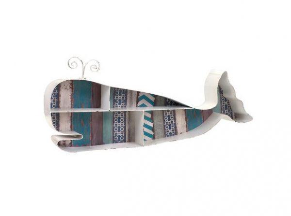 Nicho de madeira criativo em formato de baleia