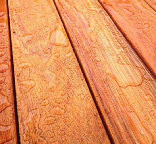 A cambará é uma madeira resistente à água indicada para madeiramento para telhado.