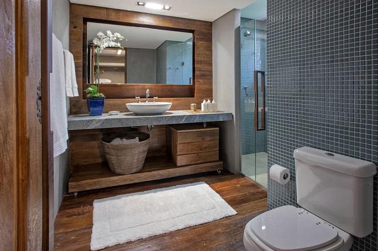 Banheiro com móveis sob medida.